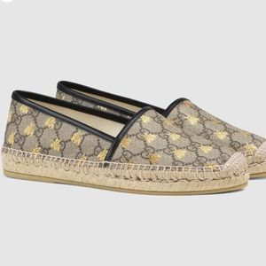 Preowned Gucci GG Supreme Bees Espadrilles